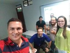 "Profa. Elaine Rocha, Diretor Cleverton Fernandes e participantes do mini-curso sobre ""Propriedade Intelectual""."