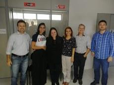 Diretores da INOVA-UFPB e a representante da ARTEMISIA (ao centro).