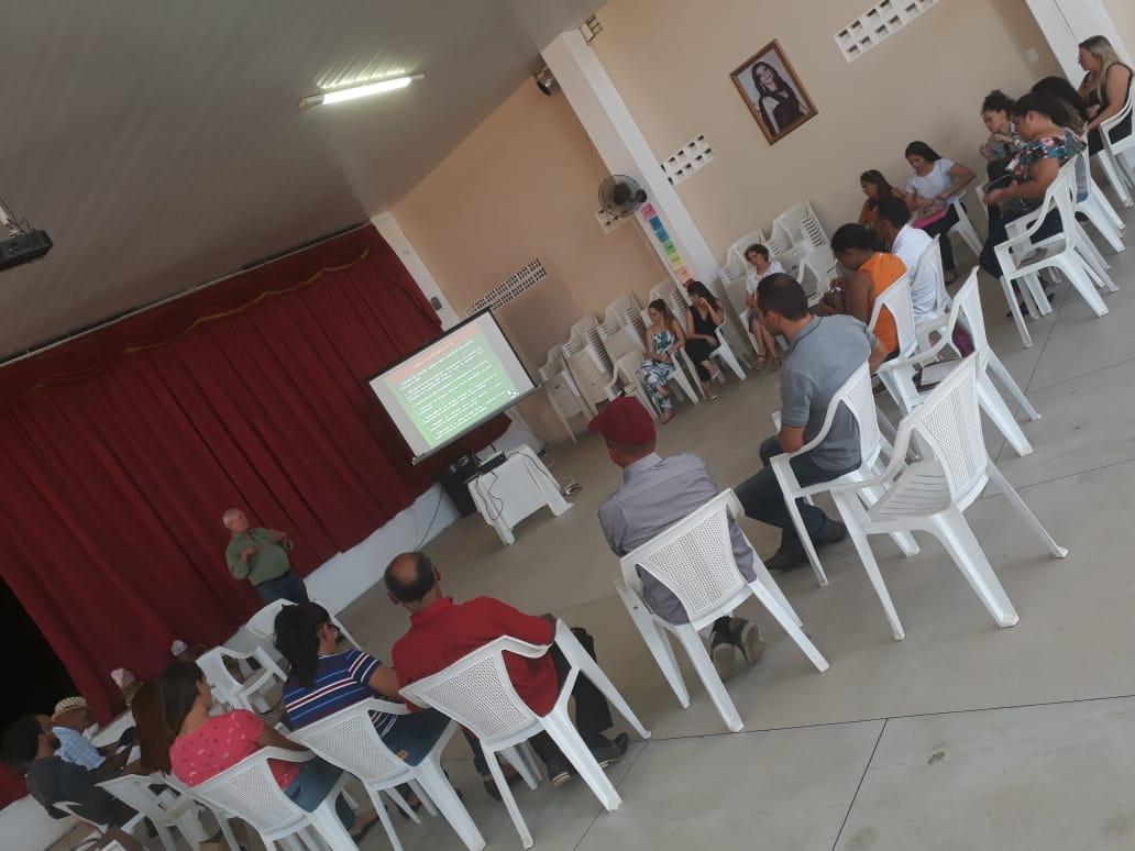 """O Professor Rui Macêdo apresentou a palestra intitulada """"Agroecologia Industrial de Plantas Medicinais do Bioma Caatinga"""""""