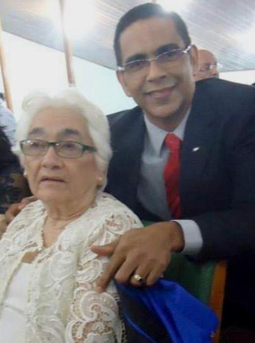 Senhora Rosenira Barbosa de Lima e Prof. César Emanoel Barbosa de Lima