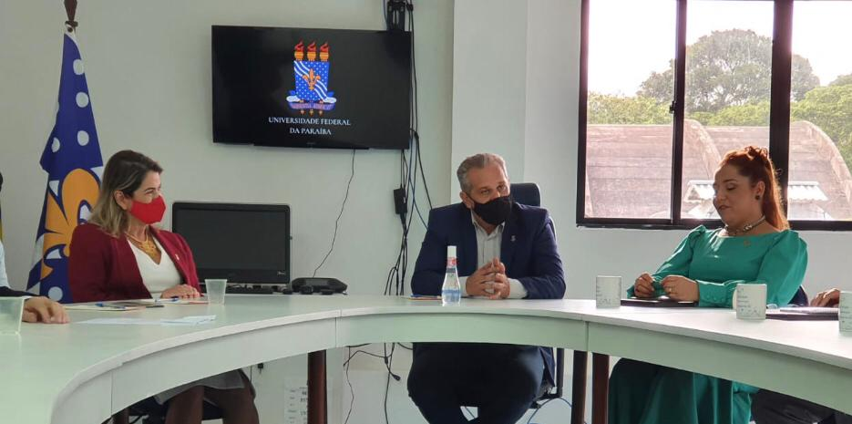 Vice-reitora da UFPB, Profa. Liana Filgueira, Reitor da UFPB, Prof. Valdiney Gouveia
